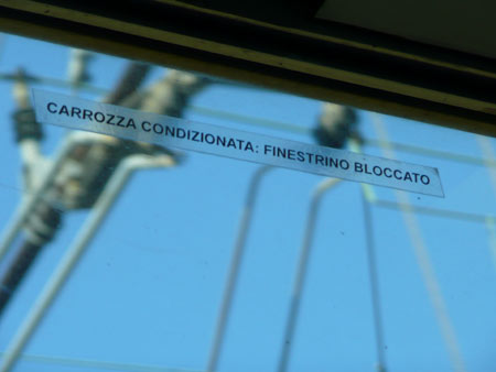 Trenitalia window lock
