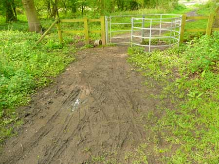 Mud, footpath, cycles and kissing gate