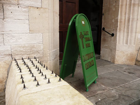 Spikes and rail, Bradford-on-Avon